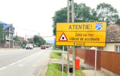 Holcim România a montat 40 de panouri punct negru pe cele mai importante șosele naționale