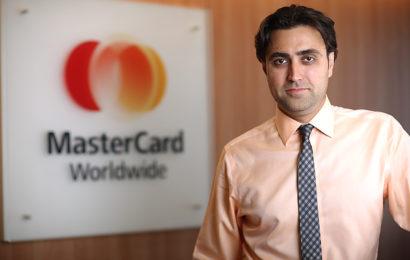 Mastercard și ING continuă parteneriatul prin echiparea consultanților NN Asigurări de Viață cu POS-uri mobile