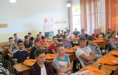 CEZ – Pentru 48 de elevi astazi a fost prima zi a Scolii de Meserii.
