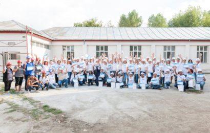 55 de angajați Metropolitan Life au lucrat o zi pe șantierul Habitat for Humanity