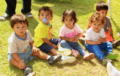 Bebelușii au capacitatea de a învăța, în același timp, două limbi