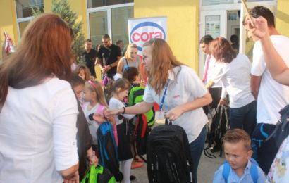 """Cora sprijină școlile din mediul rural, prin campania """"Școlile de la țară"""""""