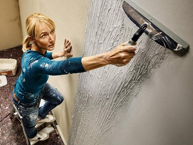 """Noile trenduri în decorarea pereților. Șeful HORNBACH: """"Vom evidenția produse noi, ce pot aduce o schimbare în ambientul casei"""""""