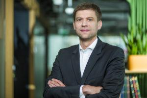 adrian-karczewicz_transaction-director_skanska-cde