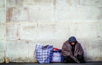 Asociatia Sansa Ta: Oamenii străzii vor primi mancare şi asistenţă medicală