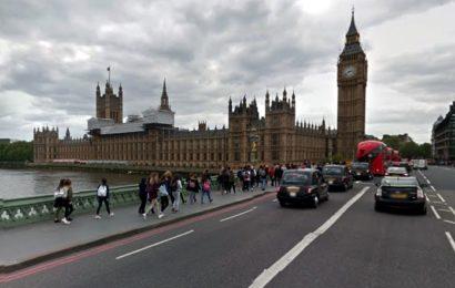 Marea Britanie continuă să acorde împrumuturi de studii și pentru anul academic 2017-2018