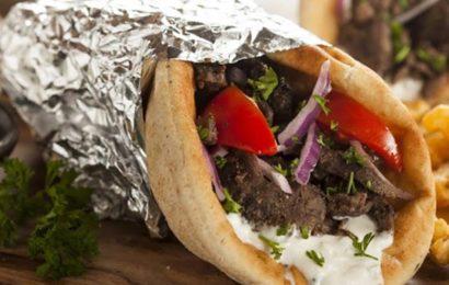 Foodpanda: Shaorma, cea mai comandată mâncare în timpul nopții, în București