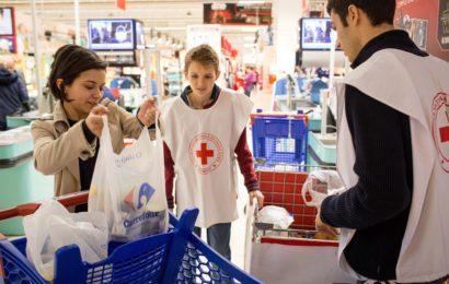 Carrefour Romania organizeaza  Banca de Alimente in toate hipermarketurile din tara