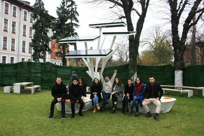 efden_copacul-fotovoltaic-in-campus-hub