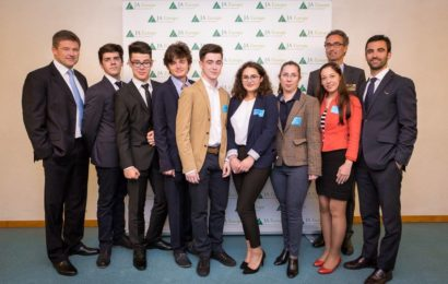 Elevii din Constanta se pregatesc pentru a cincea editie a competitiei Sci-Tech Challenge