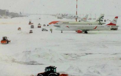 Trafic aerian in conditii de iarna. Zboruri anulate sau cu intarzieri