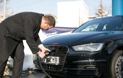 Electrica și OMV Petrom au deschis prima stație pentru mașini electrice