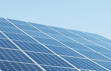 STUDIU: Jumătate dintre români ar prefera să-şi încălzească locuinţele cu energie solara
