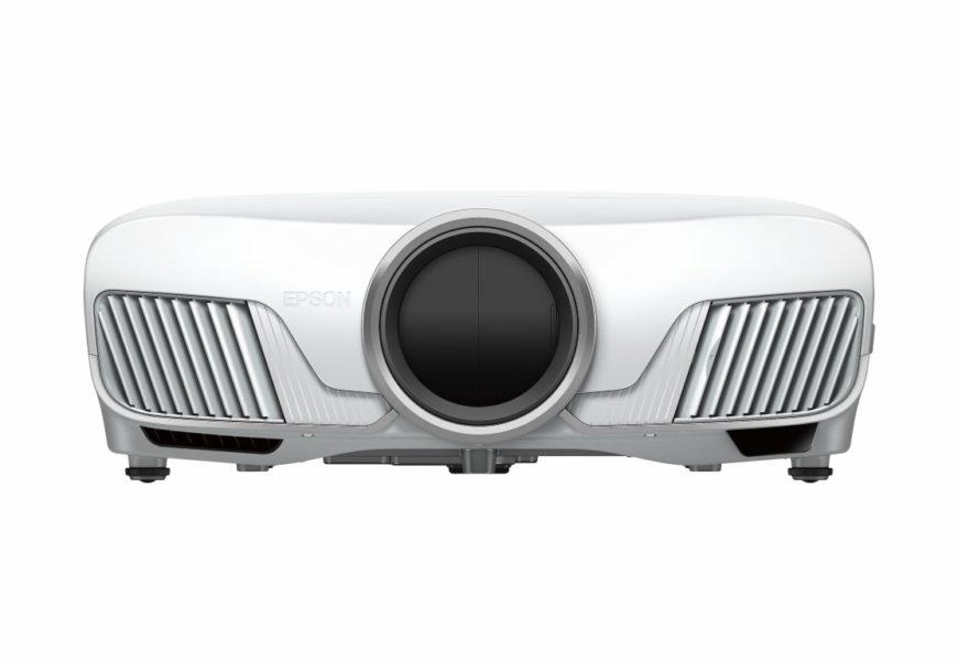 Epson este lider pe piața de videoproiectoare din România în 2016