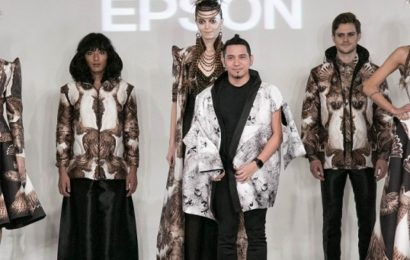 Designerul John Herrera si Epson, la London Fashion Week