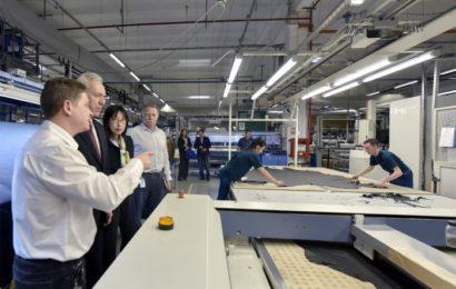 Fabrica Adient din Piteşti a primit vizita ambasadorului SUA la Bucureşti