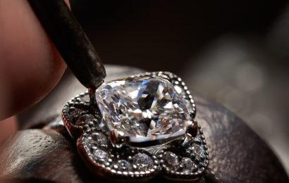 Pandora : Reciclarea si noile fabrici pentru bijuterii imbunatatesc profilul verde
