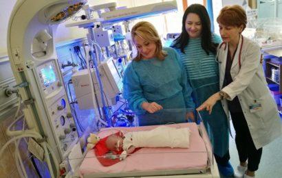 Salvati Copiii a dotat cu aparatura medicala un spital din Timisoara