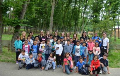 World Vision Romania si Evalueserve: 33 de copii s-au bucurat de un 1 Iunie special