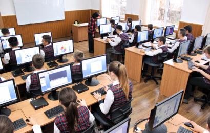 Holcim Romania a finantat achizitia a 58 de computere, pentru doua scoli