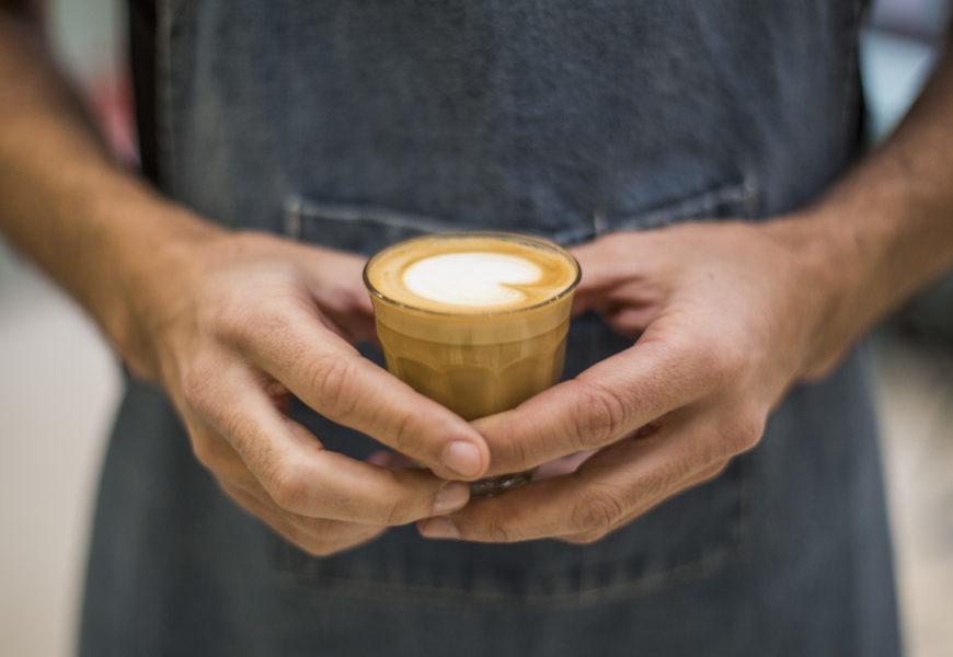 Un avocat a deschis DRIP Coffee Shop – prima cafenea de specialitate din zona Parcului Carol