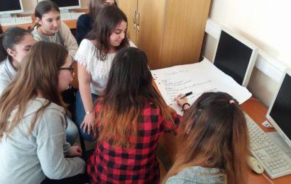 "United Way România și Asociația ROI pornesc programul ""YEEI! – Antreprenoriat la puterea tinerilor"""