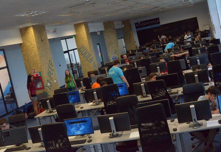 A început a doua serie de înscrieri la școala gratuită de programare