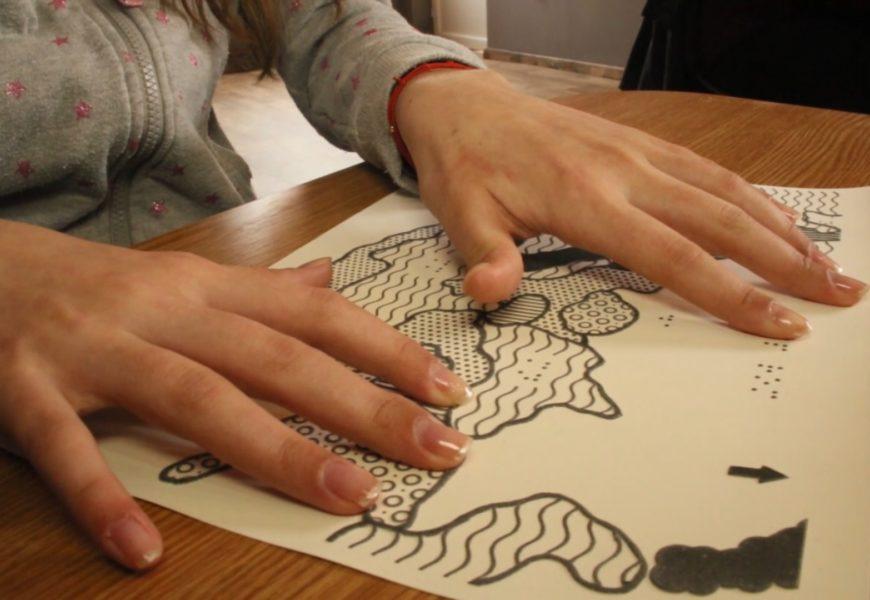 Fundația Orange: Nevăzătorii din România învață Istoria prin Sunet și Atingere