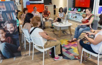 Orange Romania organizeaza Ateliere de Educatie Digitala pentru parinti