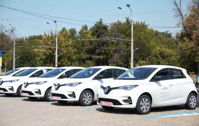 Sondaj: Mai mult de jumătate dintre utilizatorii de carsharing din București preferă SPARK pentru că găsesc foarte ușor mașini, la un cost redus